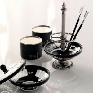 Decorate your Bathroom with Beautiful, Functional Accessories