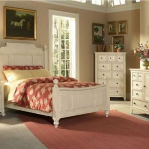 Bedroom Décor With White Furniture