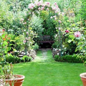 Garden Decoration to Welcome Spring