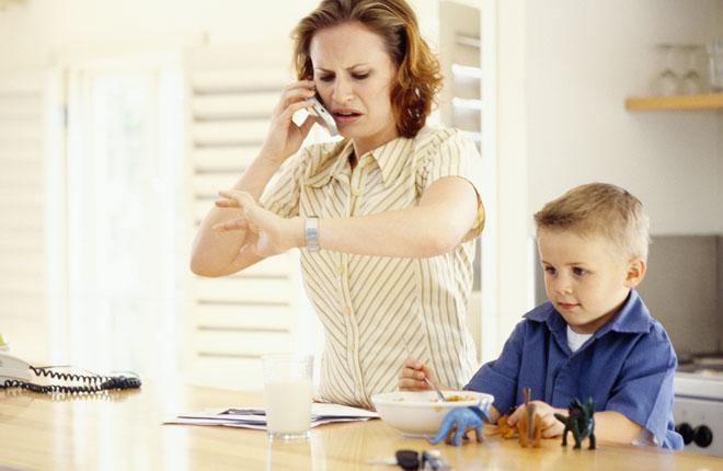 parents ignoring kids