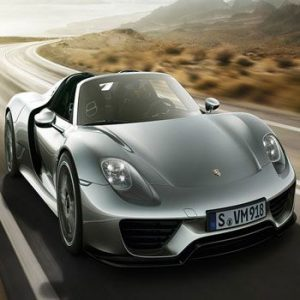 918 Spyder: Porsche and BMW Unveil Hybrid Supercars that are Built for Racing
