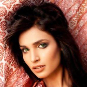 Amna Ilyas Fashion Model, Pakistani Fashion Model Amna Ilyas