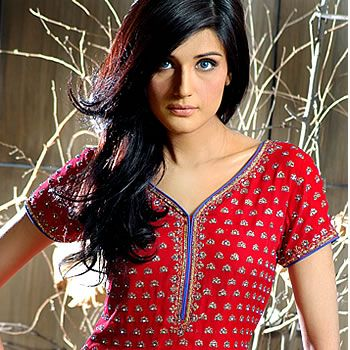 Zara Sheikh - Fashion Central
