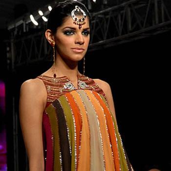 Sanam Saeed - Pakistani Fashion Model
