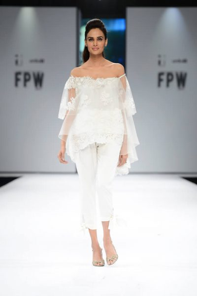 2017 Deepak Perwani Dresses Pics