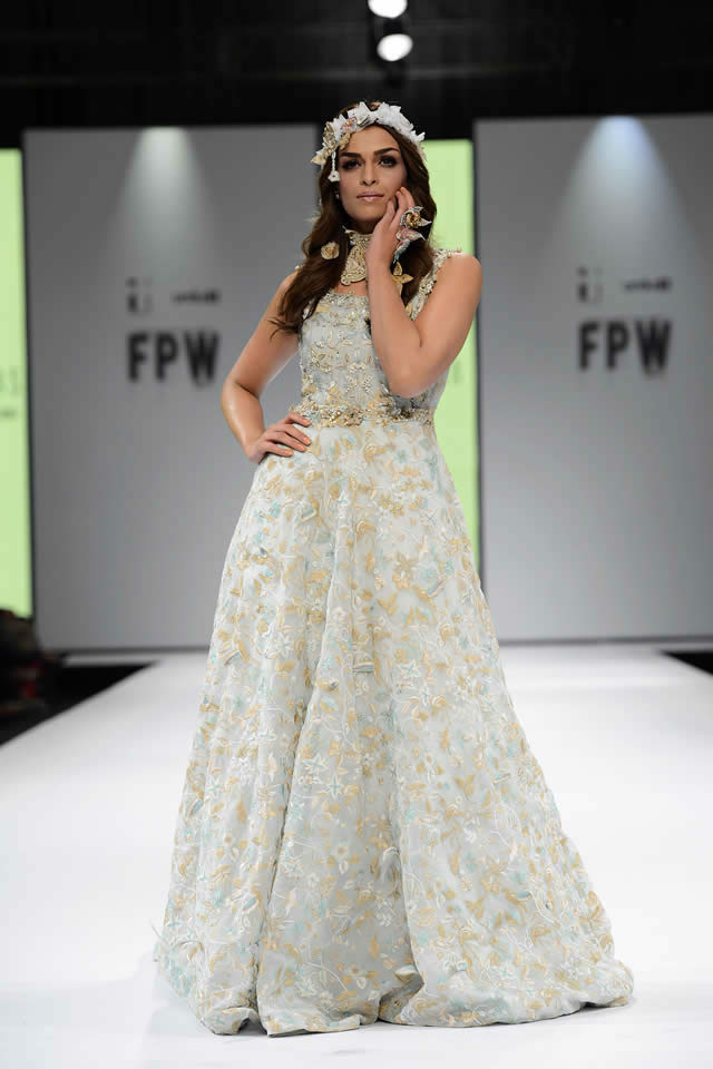 2017 Fashion Pakistan Week FnkAsia Latest Dresses Picture Gallery