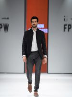 Munib Nawaz Suits Fashion Pakistan Week 2017 Images