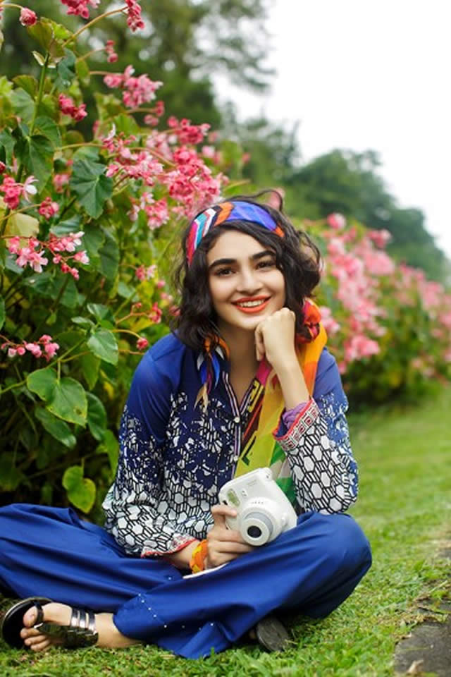 Nishat Linen Summer Lawn collection 2017 Gallery