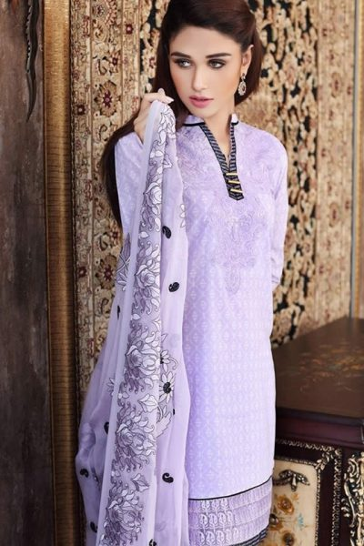 2017 Gul Ahmed Summer Lawn collection Photos