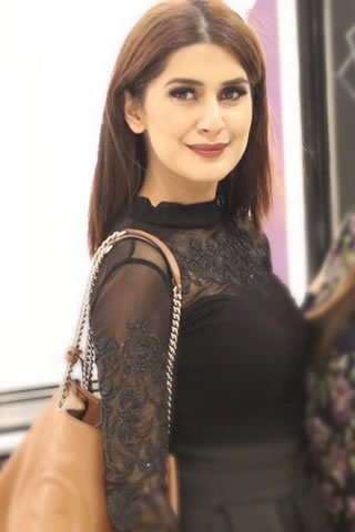 Fashion Model Kubra Khan