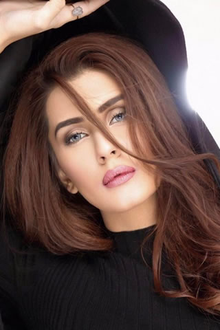 Fashion Model Kubra Khan Gallery