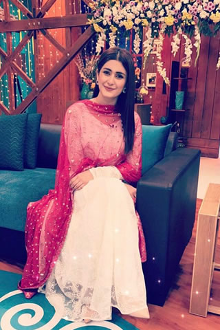 Fashion Model Kubra Khan Images