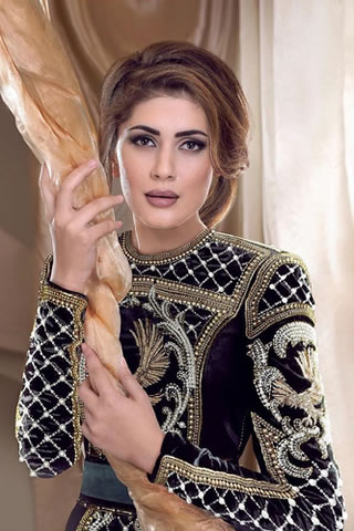 Pakistani Model Kubra Khan Picture Gallery