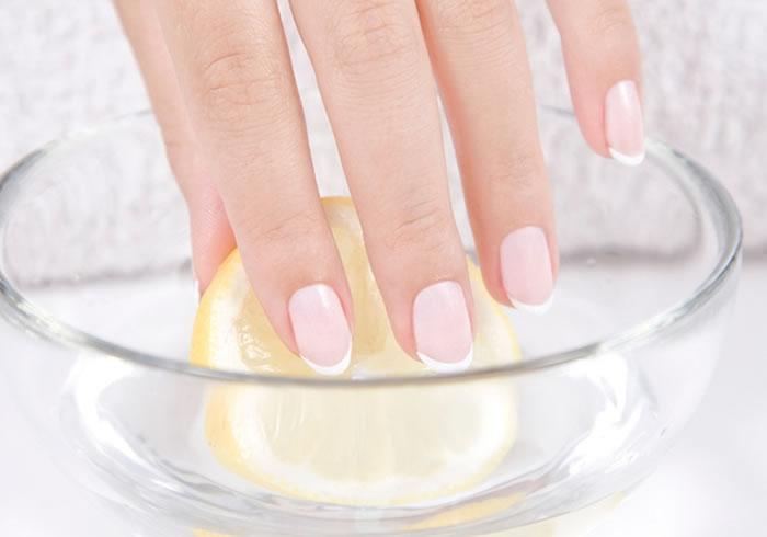 Rejuvenating manicure