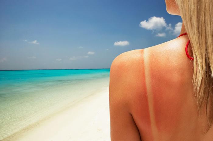 It Helps Remove Sun Tan & Dark Spots