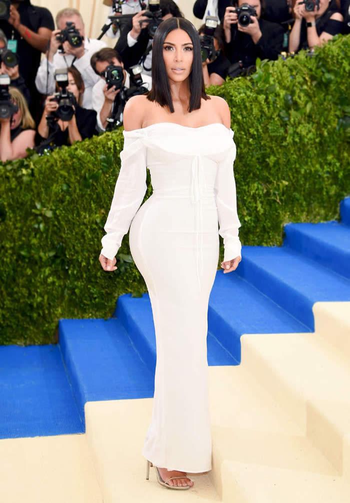 YAS: Kim Kardashian in Vivienne Westwood