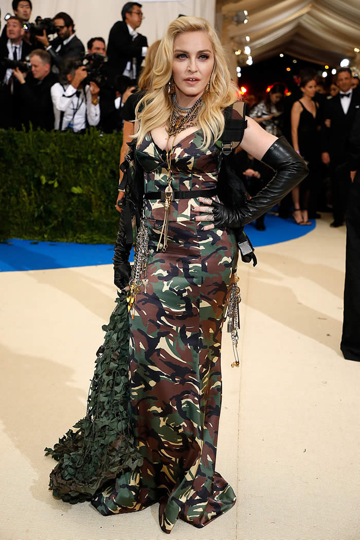 HUH: Madonna in Moschino