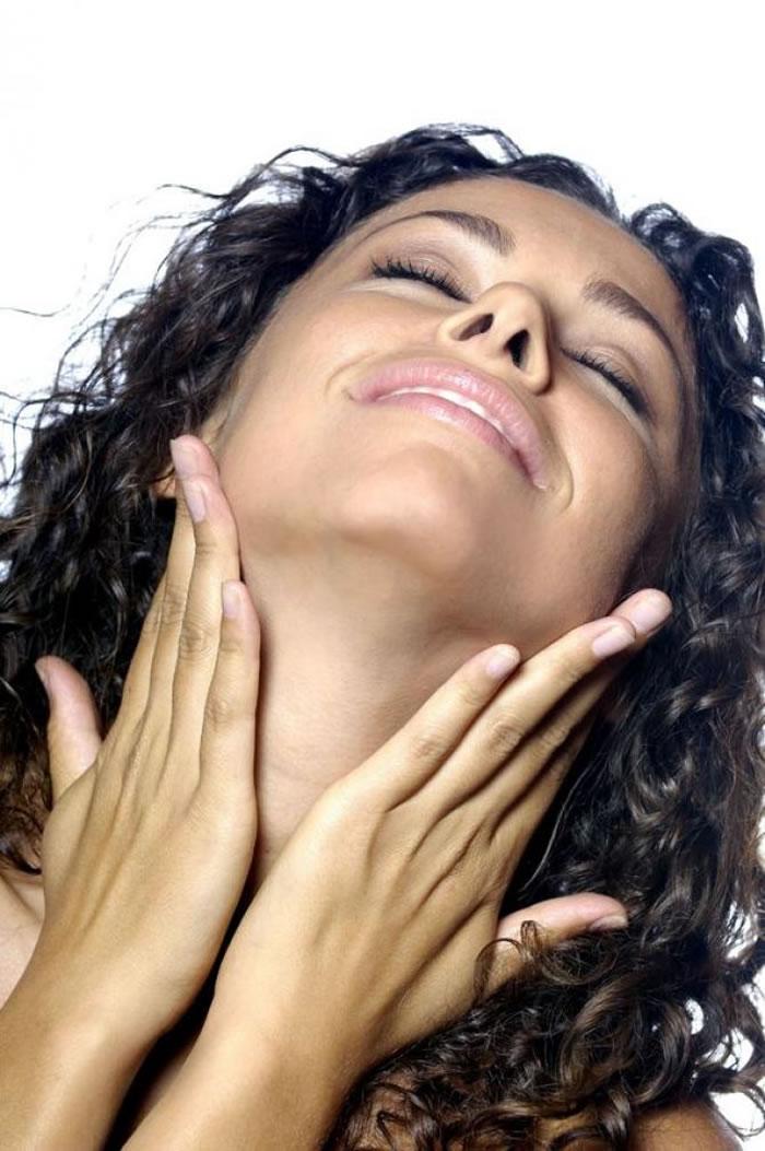 Moisturises skin