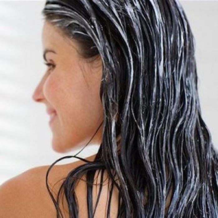 Treats Dandruff and prevents hair loss