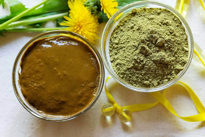 Henna for natural dye and volumising your hair