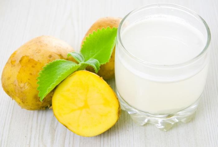Potato juice for naturally bleaching upper lip hair