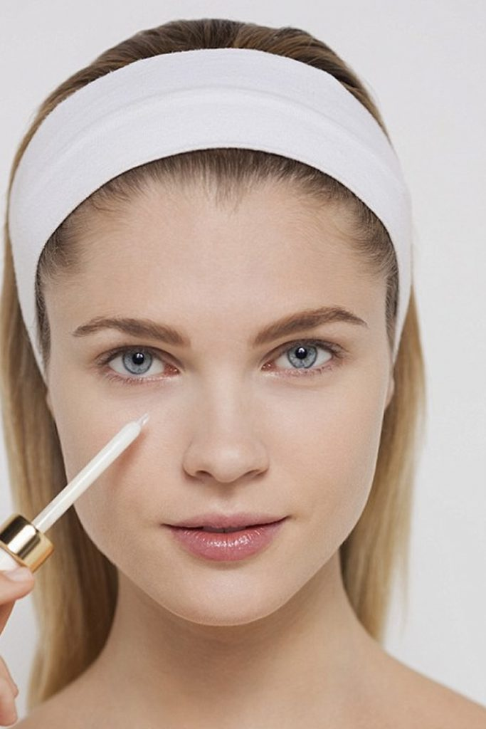 5 Makeup Hacks To Look Gorgeous At Your Workplace