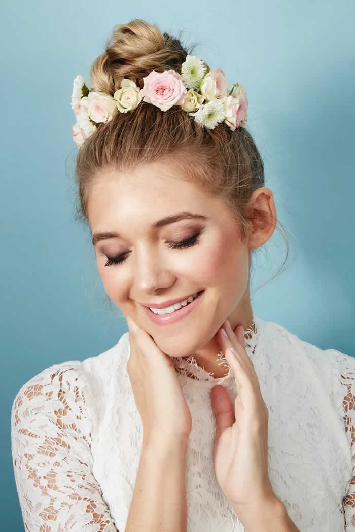 The Flower Piece: Freestyle Fresh Flower Hair Accents