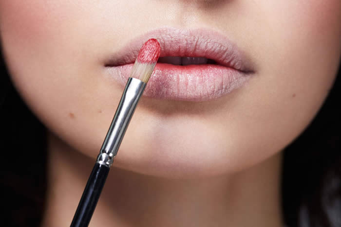 6 Useful Lipstick Hacks That Every Beginner Should Know
