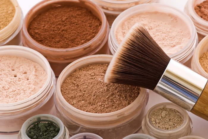 6 Makeup Tips For Oily Skin To Make Your Makeup Last Longer