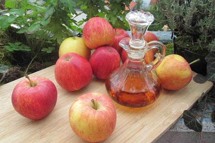 Apple cider vinegar and cumin oil