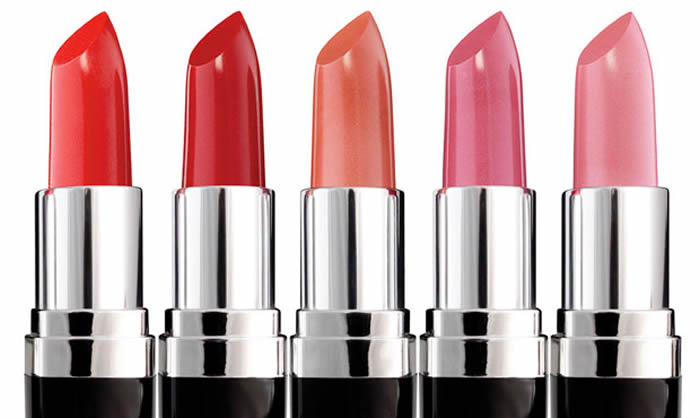 7 Common Mistakes To Avoid While Applying Lipstick