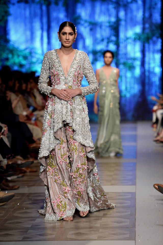 Tags Sana Safinaz Collection Dresses