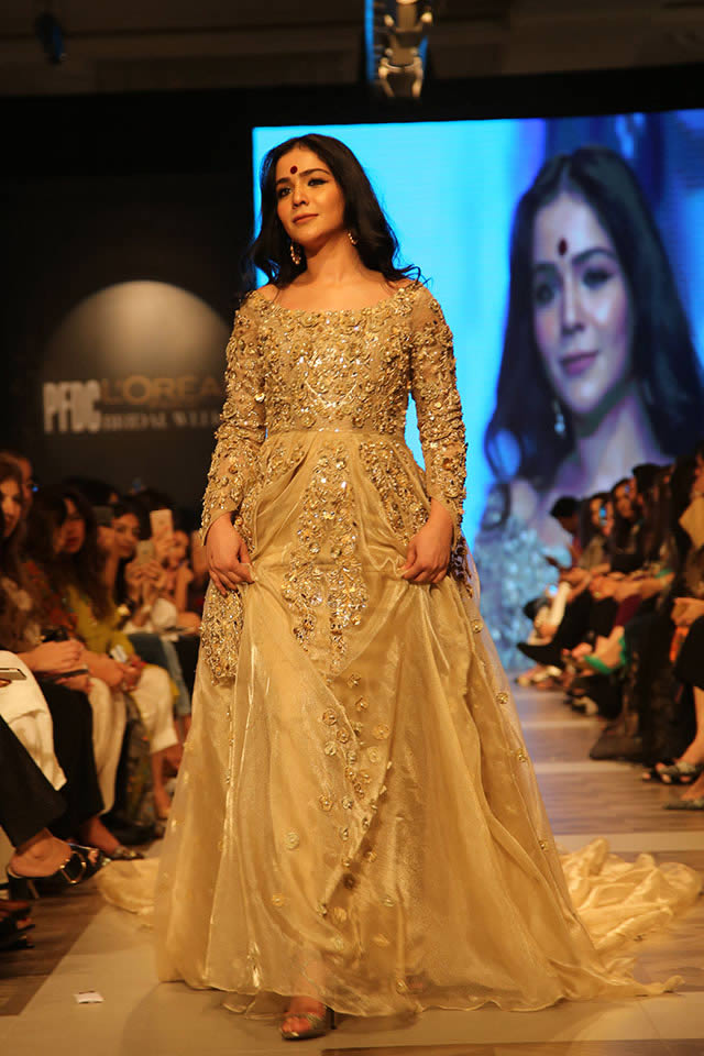 Humaima Malick wearing Shamsha Hashwani