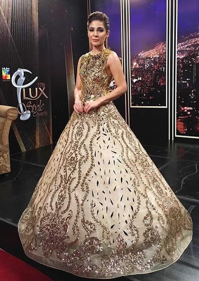 Ayesha Omar Lux Style Awards