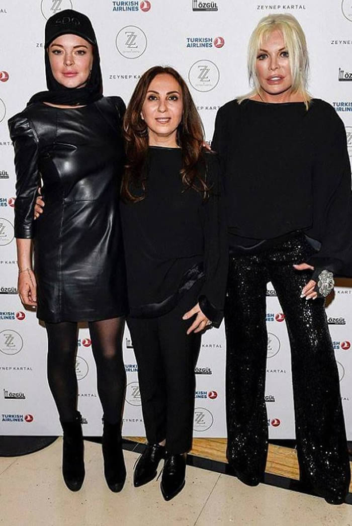 Lindsay Lohan Wears Hijab to London Fashion Week