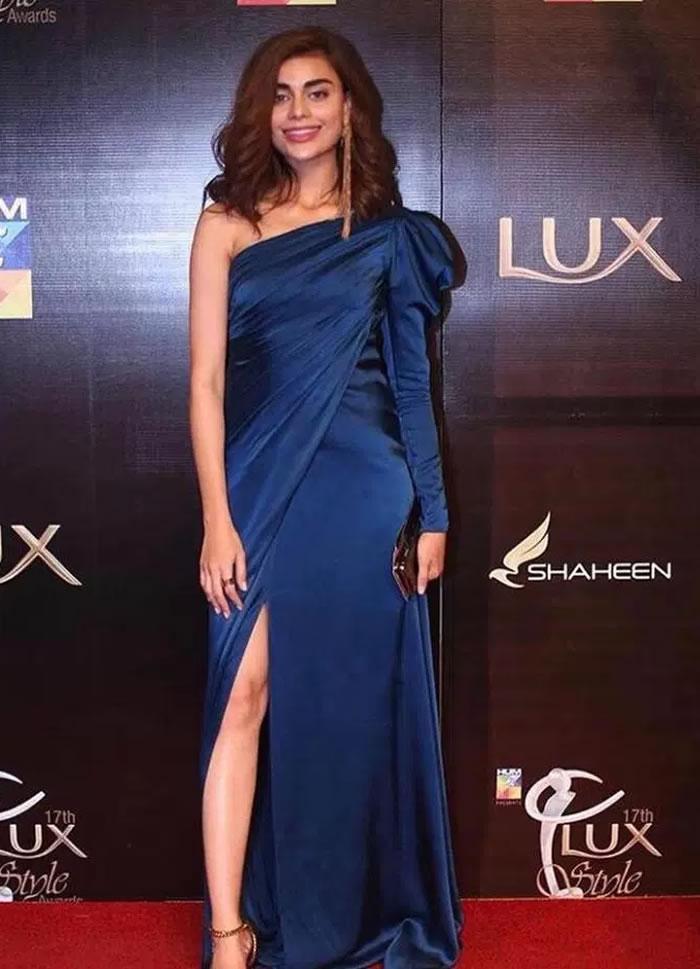 Sadaf Kanwal Lux Style Awards