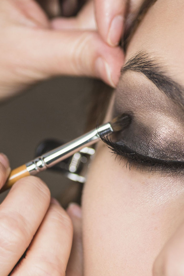 Stani Eyes Makeup Prominent Smokey Sparkling Tips