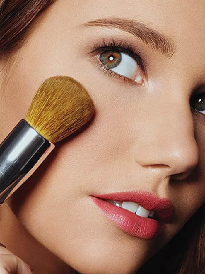 Wear matte makeup
