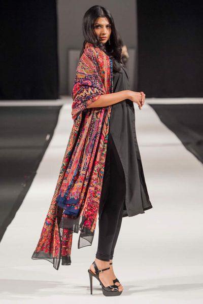 Designer Komal Nasir New Shawls