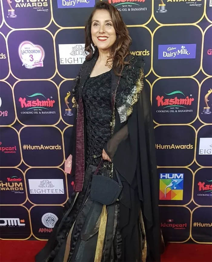 The Best and Worst Dressed Celebrities at Red Carpet of Hum Awards 2018