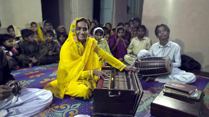 Singer Vishnu and Shamu Bai
