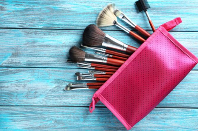 6 Super-Easy And Unheard Hacks To Keep Your Cosmetics