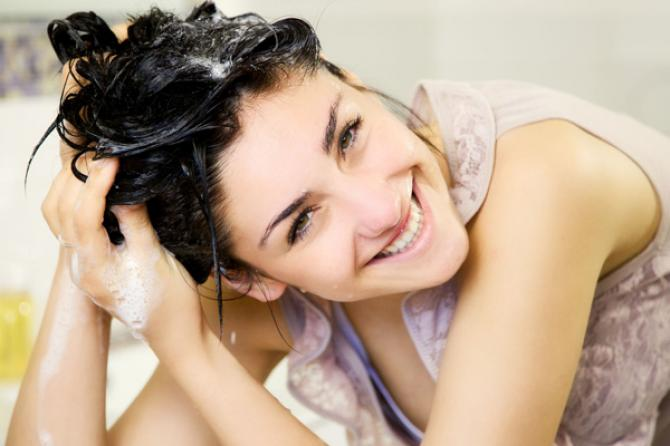 7 Common Hair Washing Mistakes That Most Women Make In The Shower